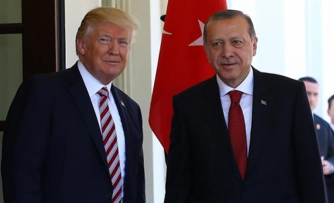 Erdoğan, Trump ile görüştü sırada Putin var