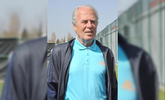 """Mustafa Denizli: """"Milli takımdan teklif almadım"""""""