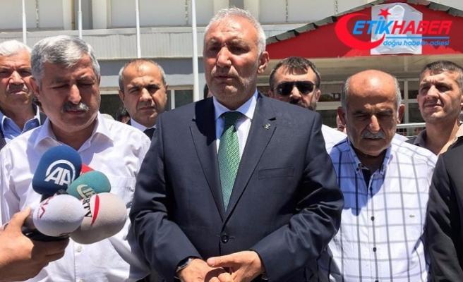 Malatya'daki davada FETÖ'cü yakınları ile vatandaşlar tartıştı