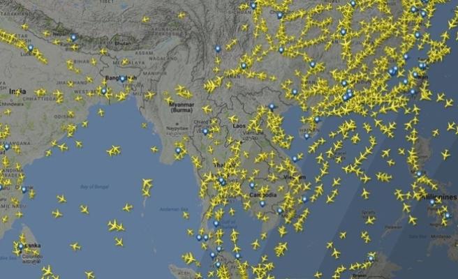 Polonya'da yolcu uçağı acil iniş yaptı