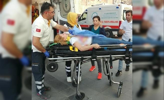 Silahlı kavganın arasında kalan genç kız, omzundan vuruldu