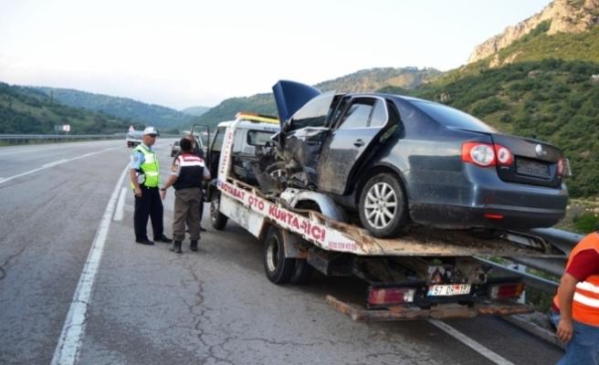 Sinop'ta iki otomobil çarpıştı: 10 yaralı