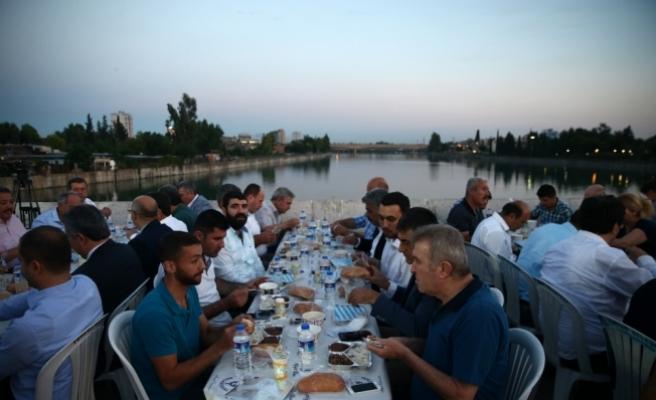 AB Bakanı ve Başmüzakereci Çelik: Kardeşliğimizin ne kadar kıymetli olduğunu görüyoruz