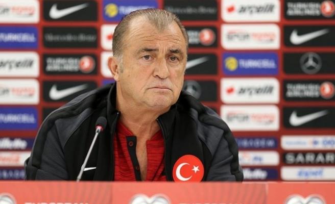 Türkiye Futbol Direktörü Terim: Milli formayı pazarlık konusu yaptırmam