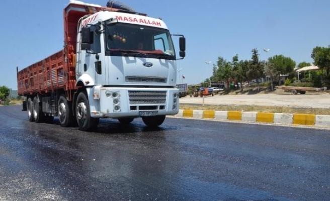 Aşırı sıcaklardan asfalt eridi