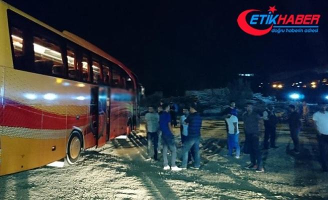 Bagajdaki dinlenme bölümünden yola savrulan şoför öldü