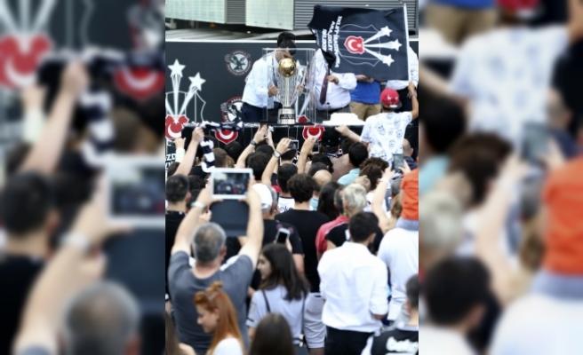 Beşiktaş, Eski Yıldızı Demba Ba'yı Bedelsiz Olarak Geri Alıyor