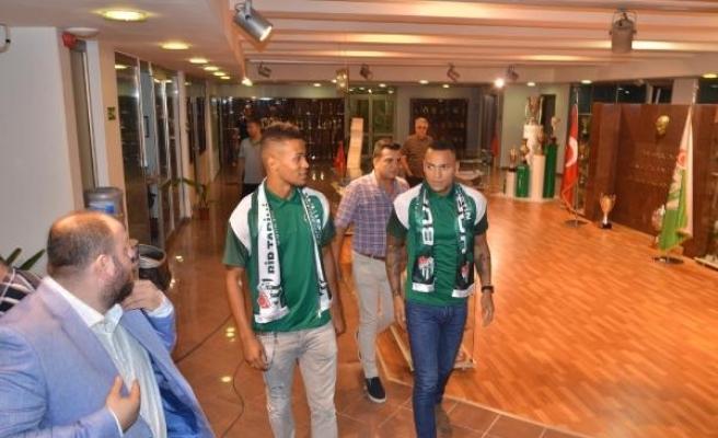 Bursaspor'a Titi ve Ekong'dan 3'er yıllık imza