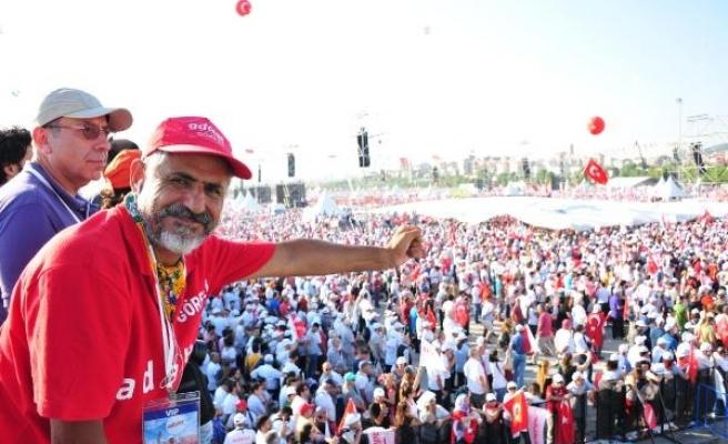 CHP'li Çam: Erdoğan, yaptığı yemine sadık kalsaydı, ne FETÖ diye bir örgüt olurdu, ne de 15 Temmuz