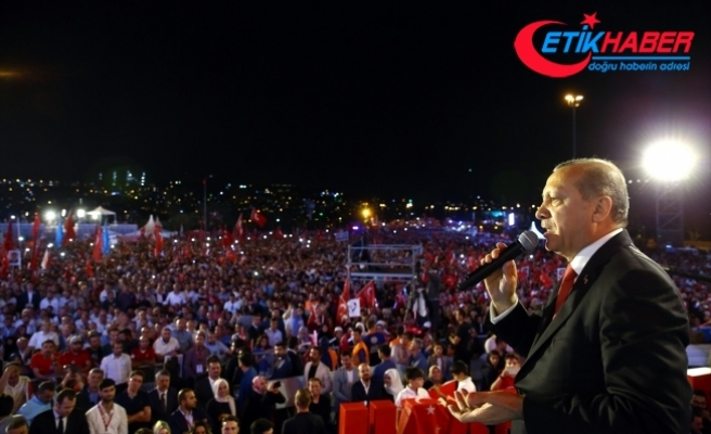 Cumhurbaşkanı Erdoğan: Tekbirle tankın üzerine giden milleti kim esir edebilir?