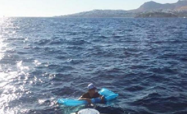 Deniz yatağı ile umuda yolculukta ölümden sahil güvenlik kurtardı