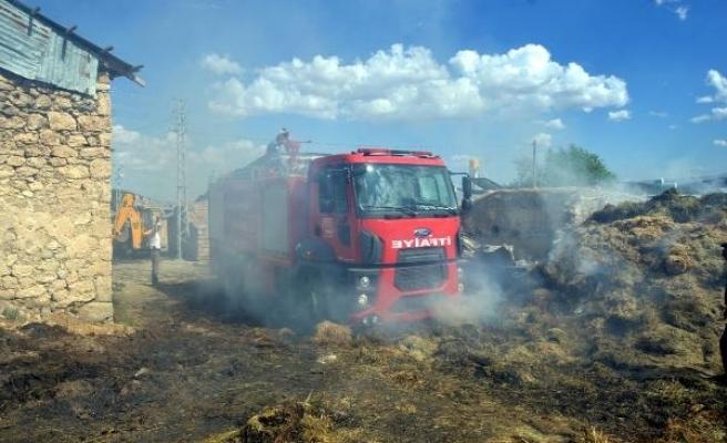 Erzincan'daki yangında 9 ev etkilendi, 5 kişi hastanelik oldu