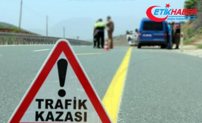 Alanya'da iki otomobil çarpıştı: 12 yaralı