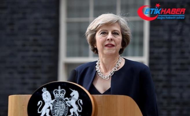 """İngiltere Başbakanı May'den """"terör"""" açıklaması"""