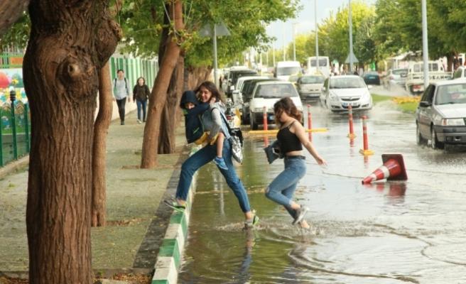 Kırklareli'de sağanak yağış etkili oldu
