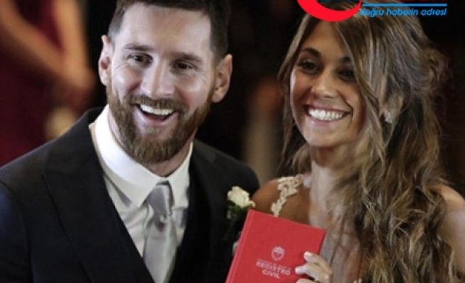 Lionel Messi, Çocuklarının Annesi Roccuzzo'yla Evlendi