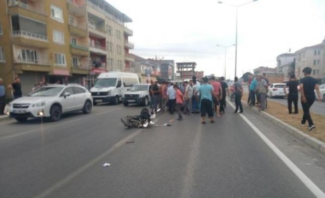 Otomobil, elektrikli bisiklete çarptı : 1 ölü