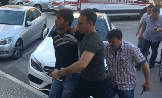 Tutuklu şüpheli İzmir Adliyesi'nden kaçmaya çalıştı