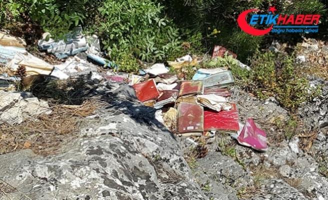 Uçuruma atılmış Gülen kitapları bulundu