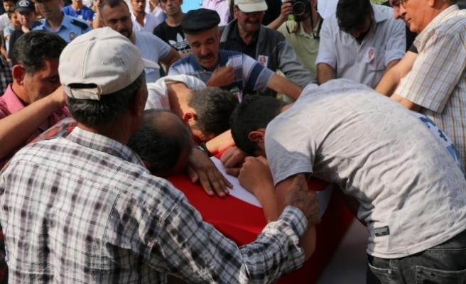 Uşak'ta şehit olan polis Kütahya'da toprağa verildi