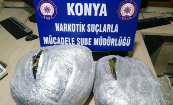 Valiz içerisinde 10 kilo esrar ele geçirildi