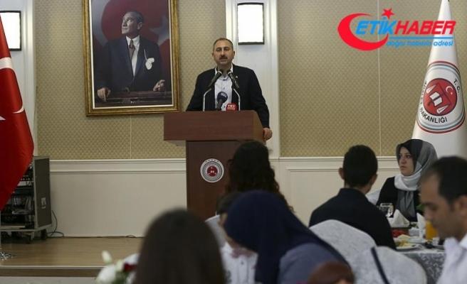 Adalet Bakanı Gül: Hakim ve savcılarımız bağımsız, tarafsızdır