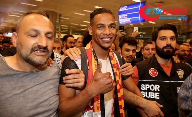 Galatasaray'ın transfer görüşmelerine başladığı Fernando, İstanbul'a geldi