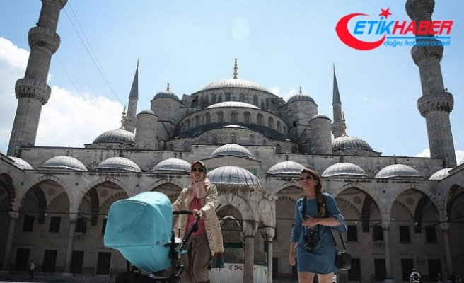 İstanbul'a ilk 6 ayda 4 milyon 385 bin turist geldi