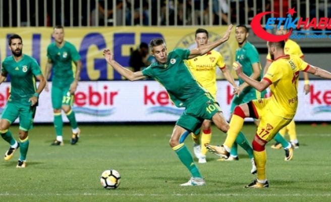 Süper Lig'in İlk Haftasında Fenerbahçe, Göztepe ile 2-2 Berabere Kaldı