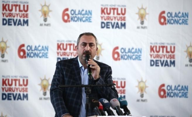 Adalet Bakanı Gül: Ey CHP milletvekili sen bu milletten maaş almıyor musun? İnsan bir defa utanır milletten