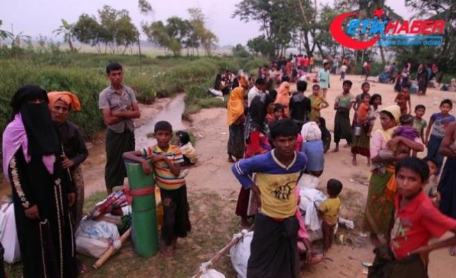 Arakan'da 24 saatte 10 bin kişi yerinden edildi