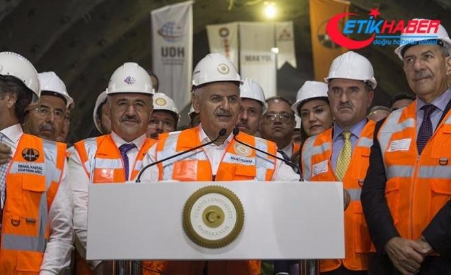 Başbakan Yıldırım: Sabuncubeli Tünelleri İzmir ile Manisa'yı birbirine yakınlaştırdı