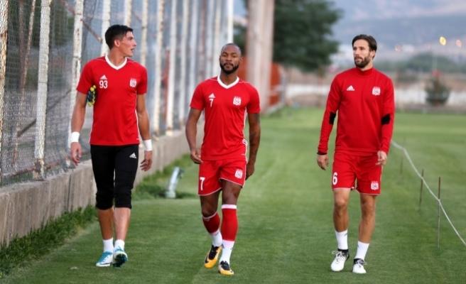 Demir Grup Sivasspor 3 haftaya odaklandı