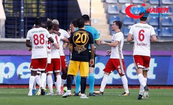 Demir Grup Sivasspor, Osmanlıspor'u 4-2 yendi