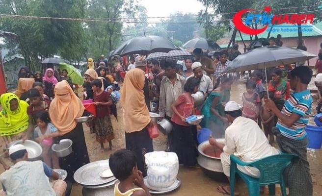 """""""Bangladeş'e sığınan Arakanlı Müslümanların sayısı 421 bine ulaştı"""""""