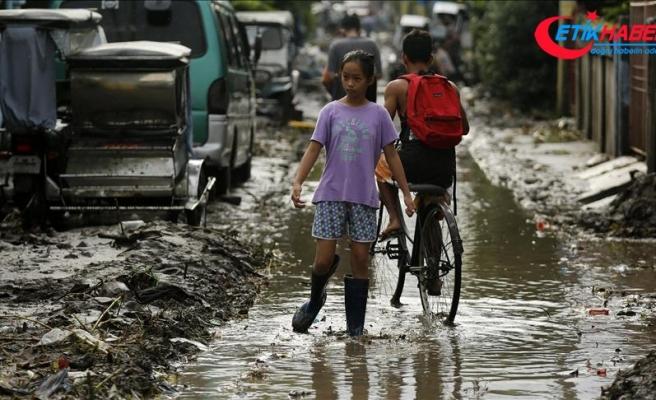 Filipinler tropik fırtına ve tayfunun etkisinde