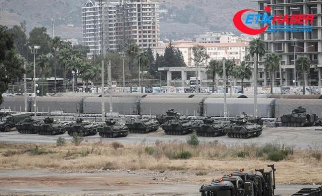 Suriye sınırındaki Kilis'e askeri sevkiyat