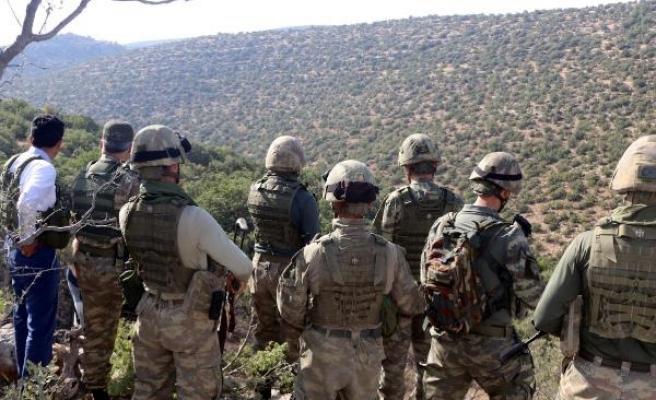 Vali Atik, 12 PKK'lının öldürüldüğü operasyon bölgesinde