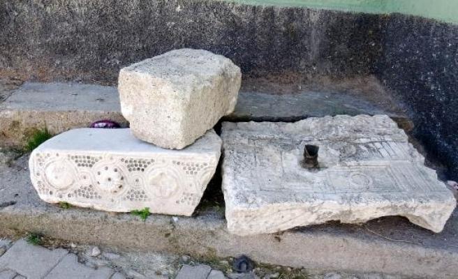 Afyonkarahisar'da 3 bin 200 yıllık yazıt şaşkınlığı