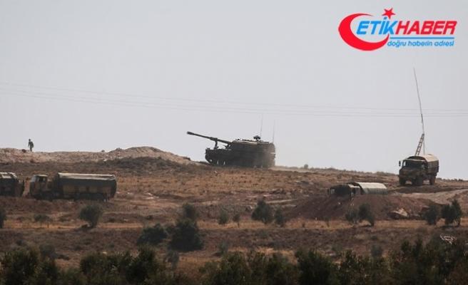 Çok sayıda komando ve zırhlı araç sınırda konuşlandırıldı