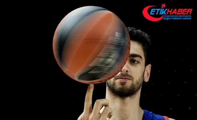 Furkan Korkmaz'dan 13 sayı
