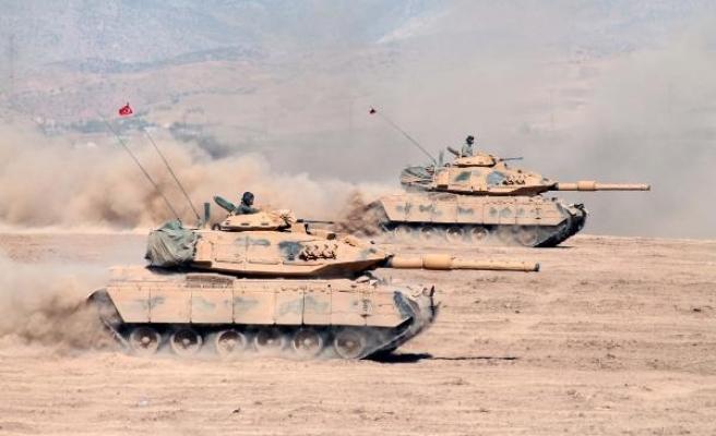 Türk ve Irak askerleri Habur Sınır Kapısı'na doğru harekete geçti