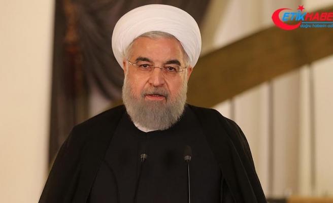 """Ruhani, Türkiye'ye gelemeden önce: """"Trump'ın kararı Müslümanlara karşı alınmış küstahça bir karar"""""""