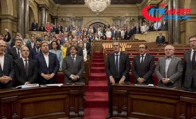 İspanya Anayasa Mahkemesi, Katalan parlamentosunun toplanmasına izin vermedi