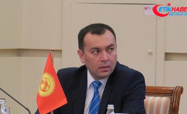 Kırgızistan Başbakan Yardımcısı Cumakadırov trafik kazasında hayatını kaybetti.