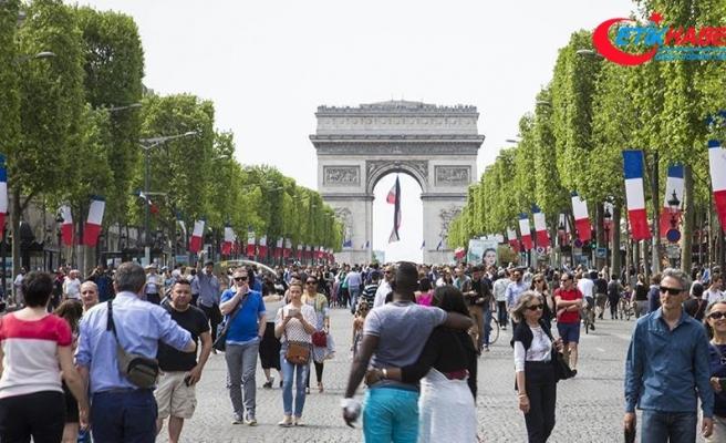 Paris'te 2030'da benzinli araçlar yasaklanabilir