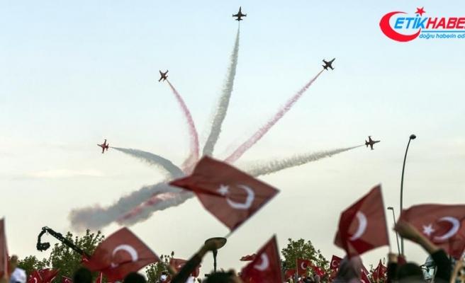 Türk Yıldızları '25. Yıl Gösterisi' ile nefes kesti