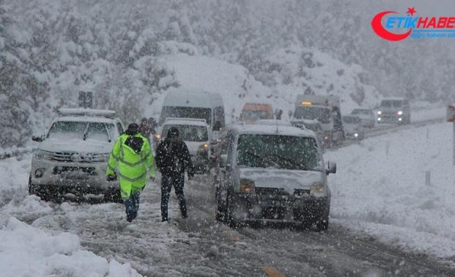 Tunceli'de 80 köy yolu ulaşıma kapandı