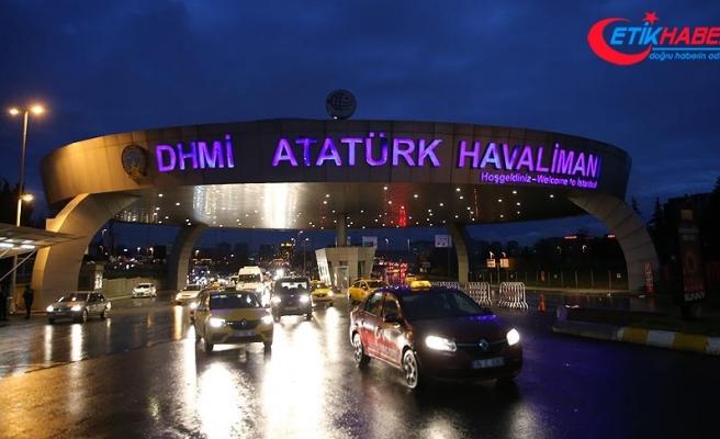 Atatürk Havalimanı'nda şüpheli valiz fünyeyle patlatıldı