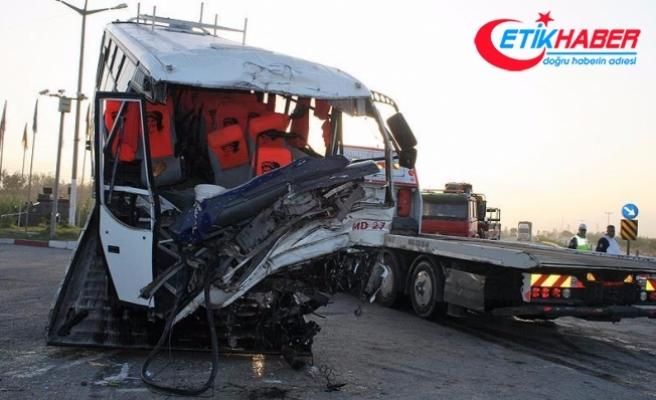 Hatay'da zincirleme trafik kazası: 19 yaralı